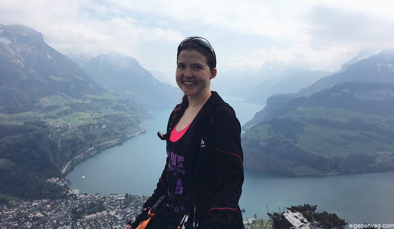Ariana-Outdoor-Wandern-Klettern-Sport-Lachen